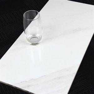 b8s4-300x600-calacatta-white-wall