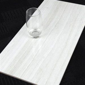 byk1481-silver-travertine-light-wall-300x600
